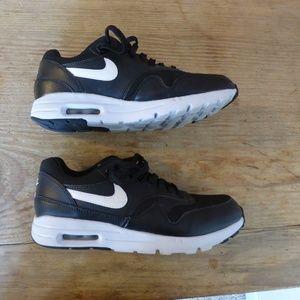 Nike Air Max - 6.5